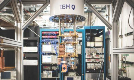 První integrovaný počítačový systém IBM Quantum Computing pro komerční použití